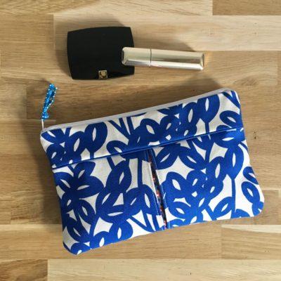 Pochette à soufflets , fleurs – bleu et blanc