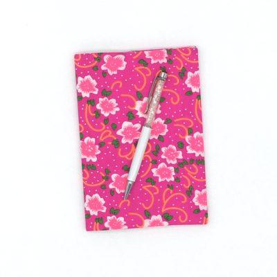 Carnet de voyage, Fleurs roses fluo