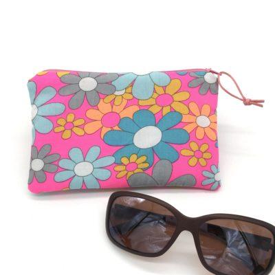 Etui à lunettes , fleurs fluo
