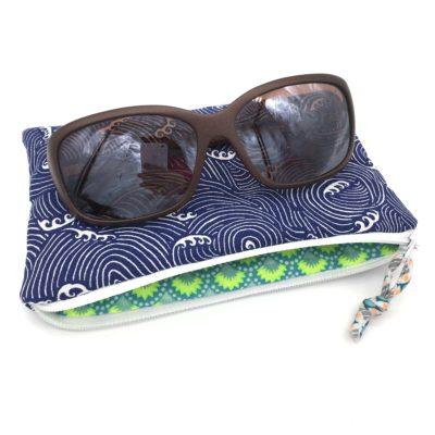 Etui à lunettes , vagues bleues