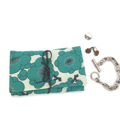 Pochette à bijoux  fleurs -vert