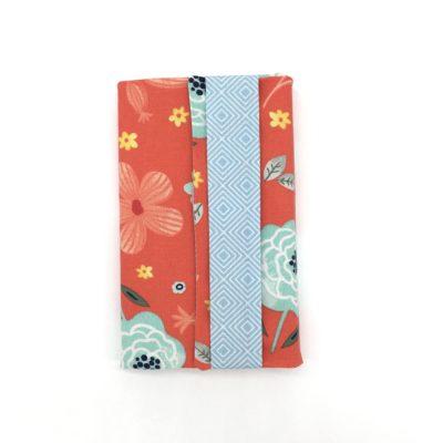 Couvre livre poche, fleurs rouges